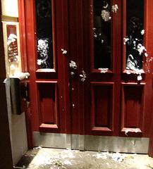 Beschmierte Eingangstür